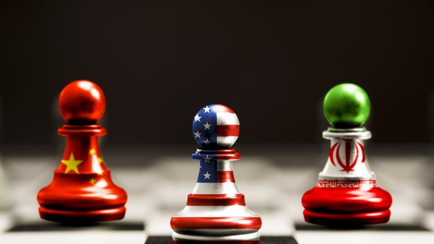 Китай и Иран обединяват усилия срещу САЩ