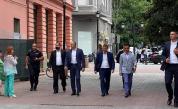 Радев: Никакви прегрупирания в кабинета няма да спасят държавността