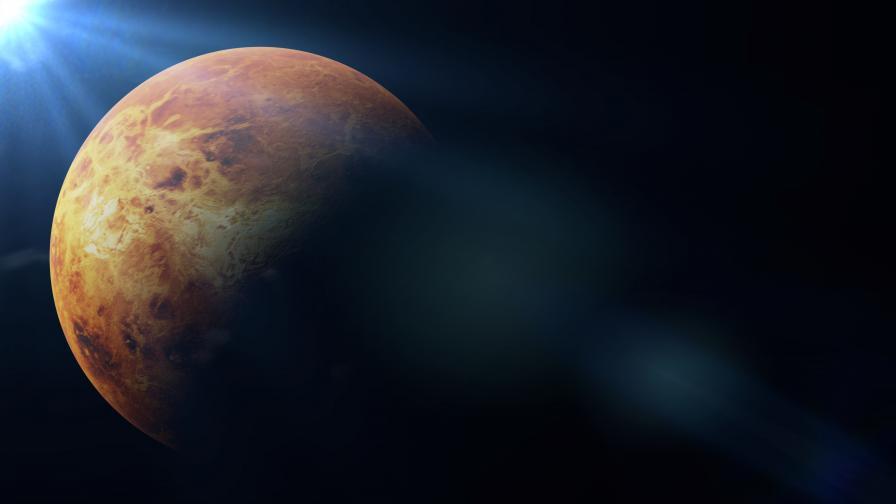Учени доказаха, че на повърхността на Венера има действащи вулкани