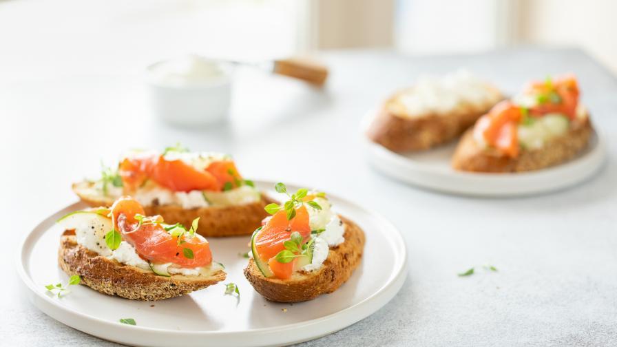Рецепта от Австралия: Сьомга с авокадо върху багета