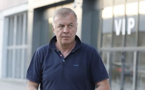 Извънредно: Левски води преговори за продажба на звездите си