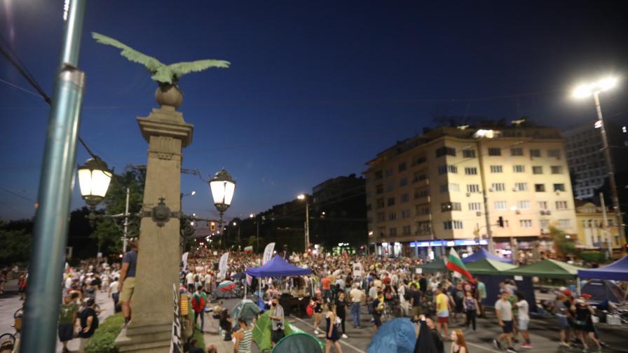 23 дни протести, два пъти днес напрежение на Орлов мост