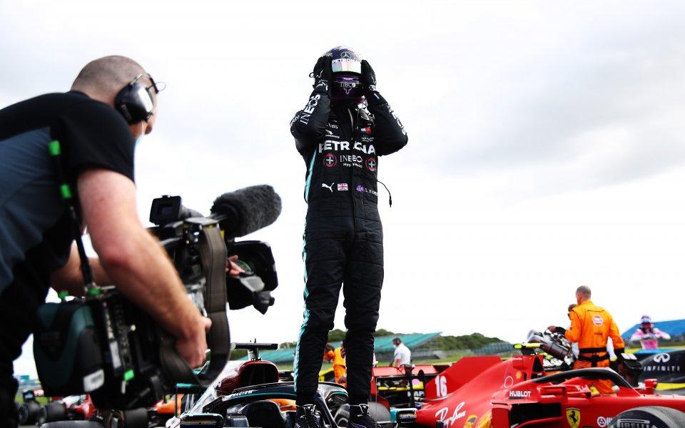 Британският пилот Люис Хамилтън победи в четвъртия старт от сезона