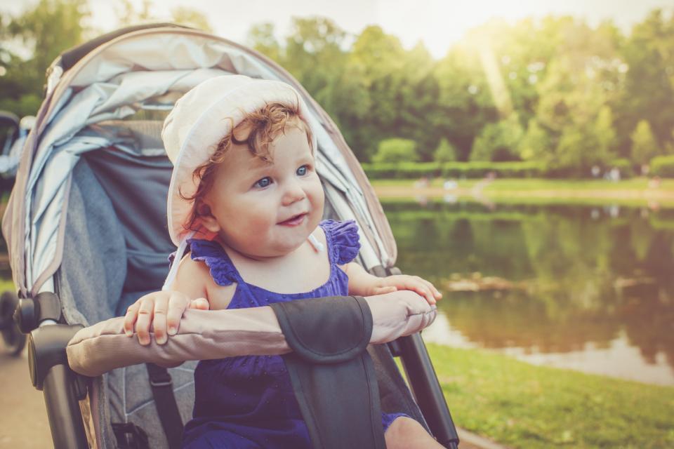 бебе дете лято