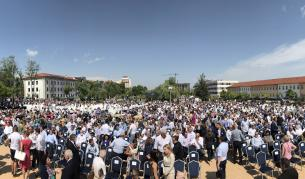 Протестиращи се опитаха да блокират достъпа до конференцията на ГЕРБ - България
