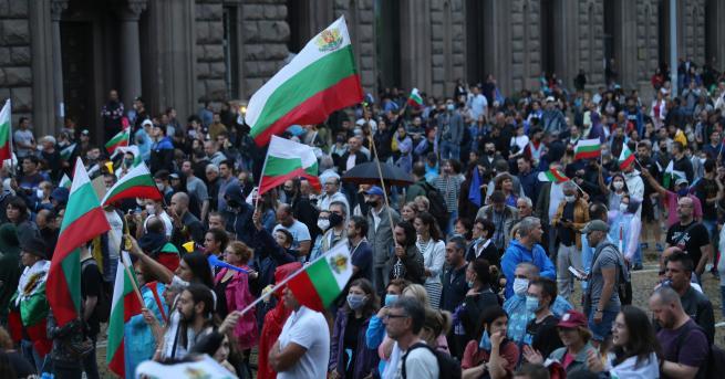 България Какво ще се промени след месец на простести? Темата