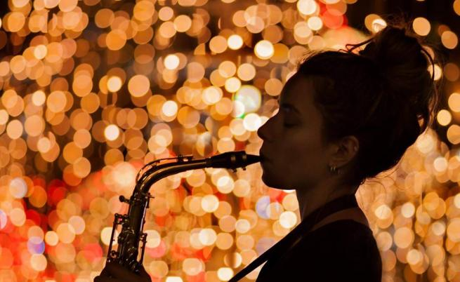 Ралица – момичето със саксофона и ангелския глас