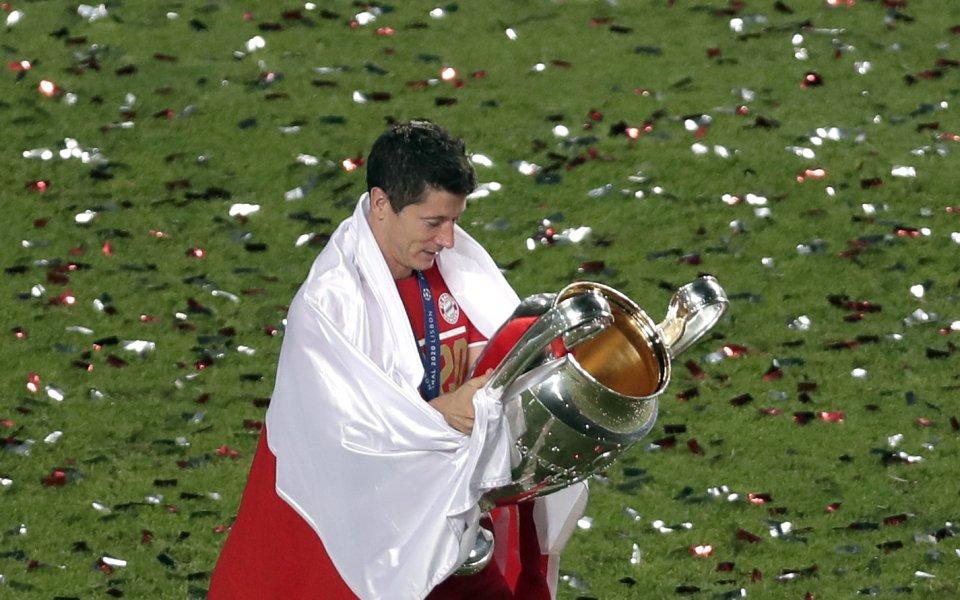 Звездата на Байерн Мюнхен Роберт Левандовски удиви футболните фенове по