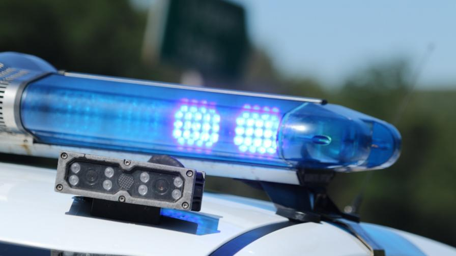 "Два автомобила се удариха на АМ ""Струма"" край Благоевград, жена пострада"