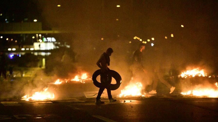 Бунтове и огнен ад, след като изгориха Корана в Швеция
