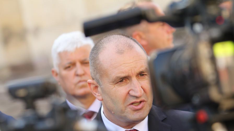 Президентът Радев ще бъде поставен под карантина