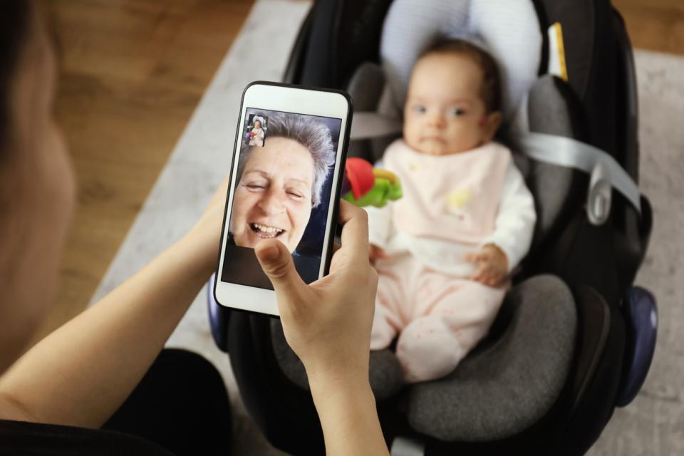 бебе баба телефон коронавирус семейство