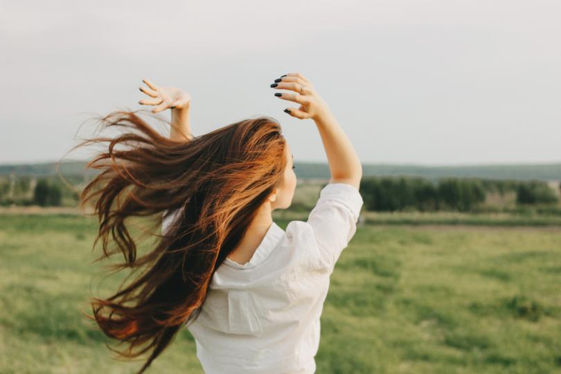<p><strong>Овен</strong></p>  <p>Днешният ден е много подходящ за активни спортни занимания: ще имате много енергия и силна воля за победа. В любовта е възможно да прехвърчат искри &ndash; лесно ще се ядосвате и това няма да се харесва на човека до вас.</p>