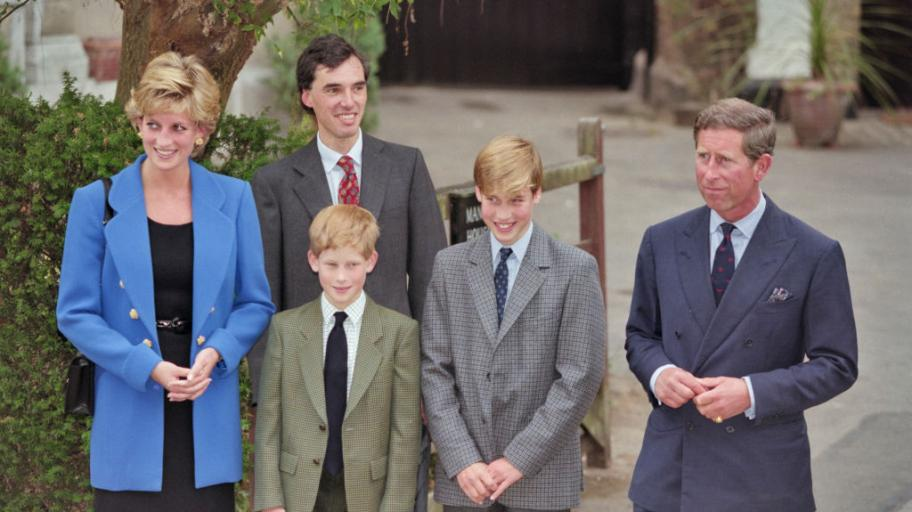 Няма да ги познаете! Ето как са изглеждали членовете на кралското семейство на първия учебен ден