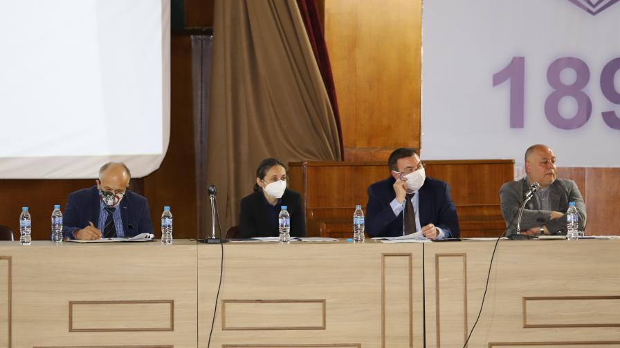 Ангелов: Новата детска болница ще е в нова сграда