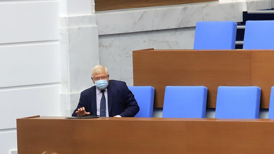 Новият външен дълг скара депутатите в парламента