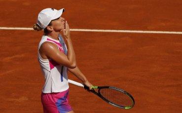 Фаворитките се класираха за четвъртфиналите в Рим
