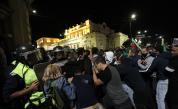 СДВР: Полицай е ранен с камък в главата при протеста вчера