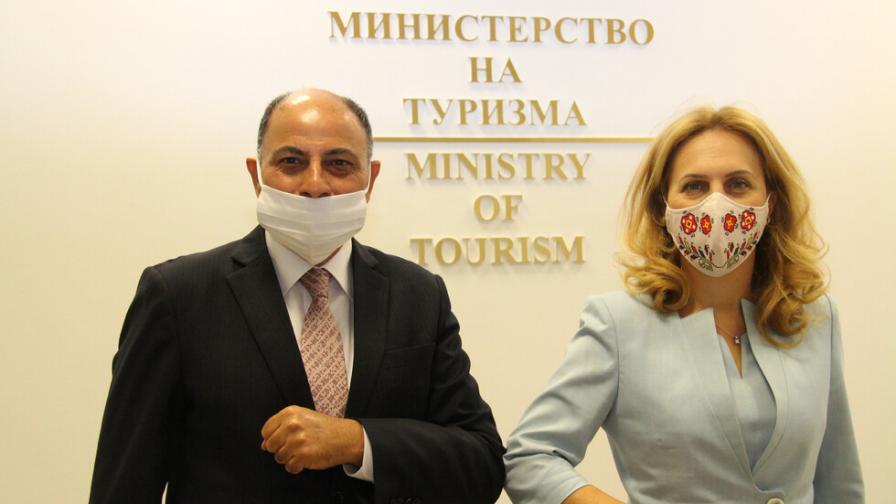 Марияна Николова се срещна с посланика на Египет