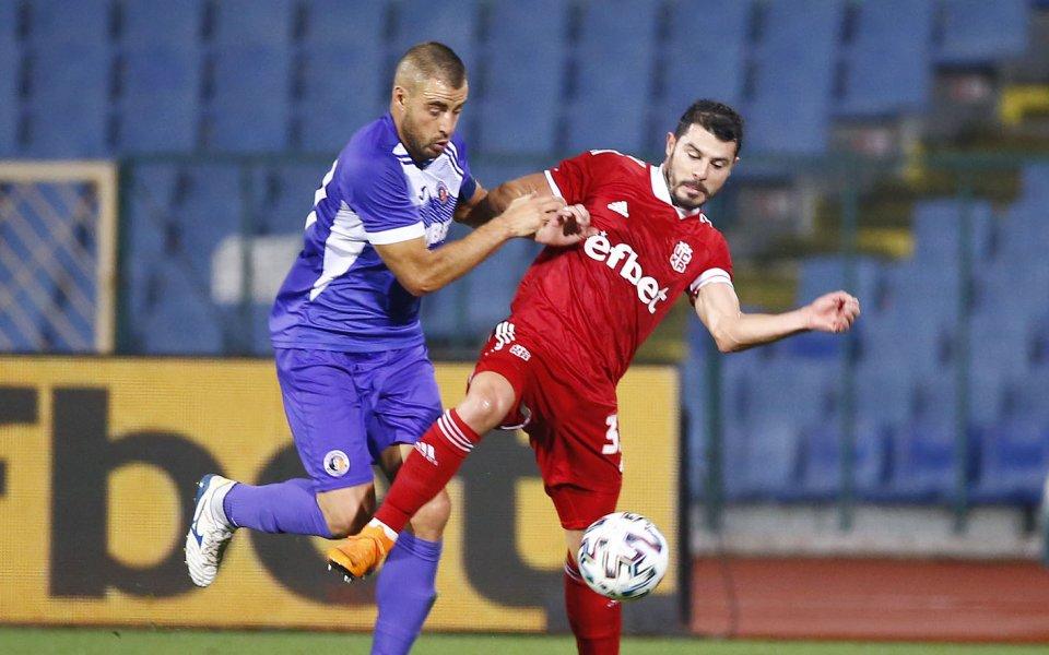 Етър и Локомотив Пд излизат един срещу друг в мач