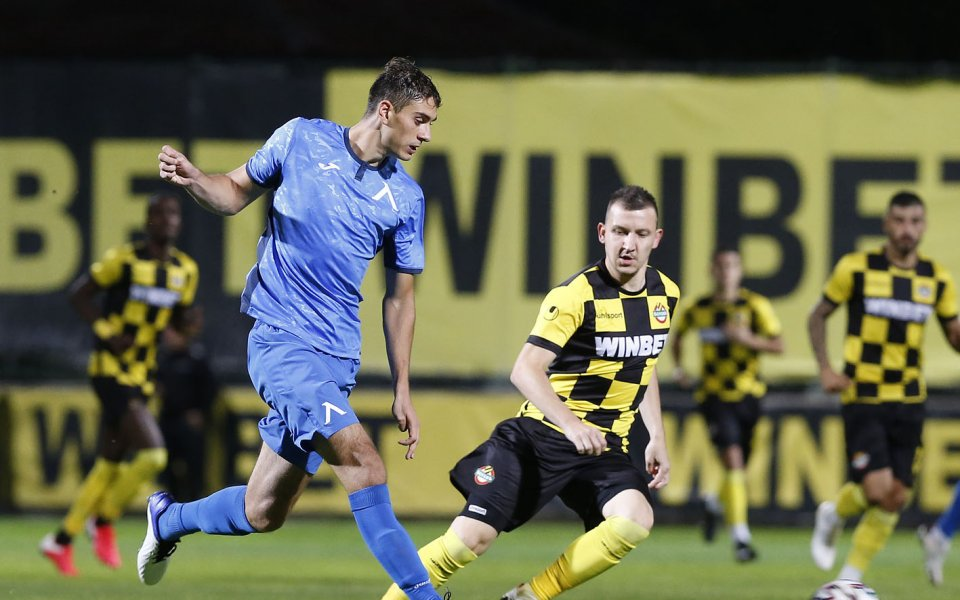 Ботев Пловдив и Левски играят при резултат2:1във втория съботенмачот 7-ия