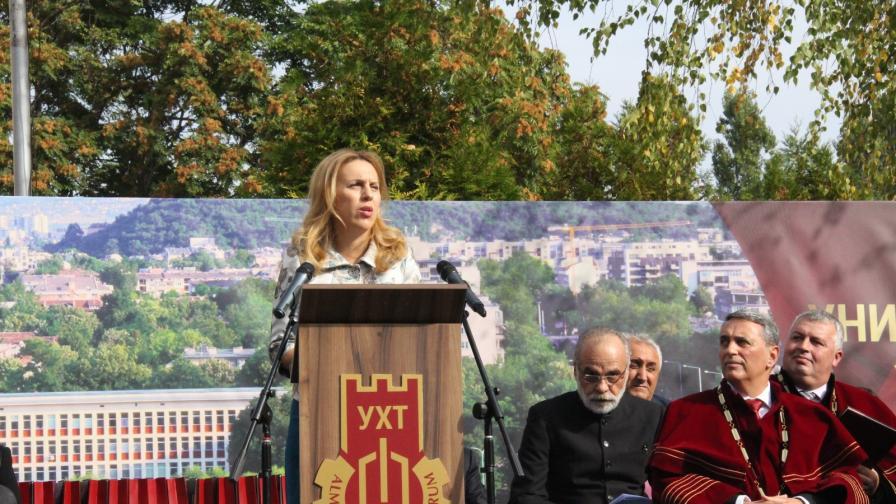 Николова: Над 29 000 са запазените работни места в сектор туризъм
