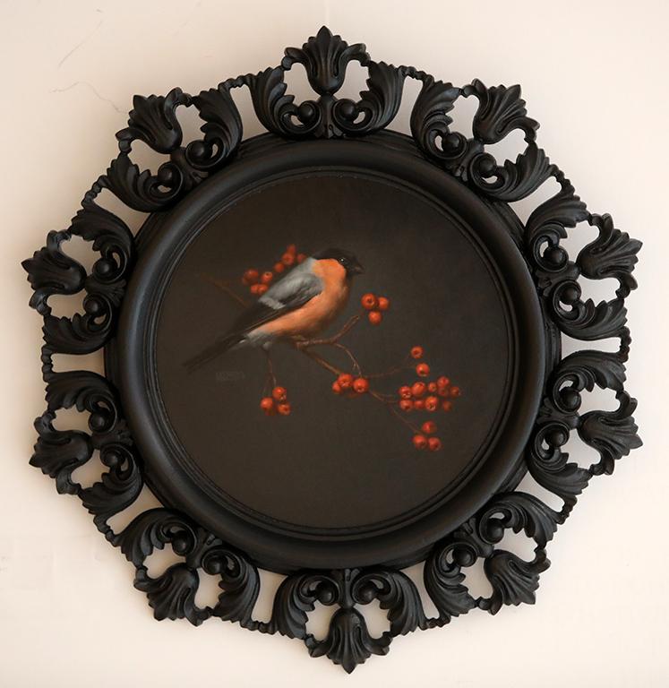 <p>Червеношийка с плод на офика, маслени бои/платно Bullfinch with Rowan Berries, oil paint on canvas</p>