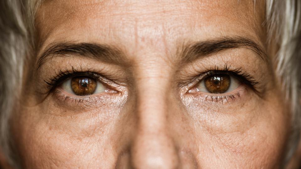 очи око