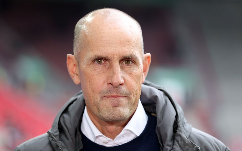 Старши треньорът на Аугсбург Хайко Херлих иска да се завърне