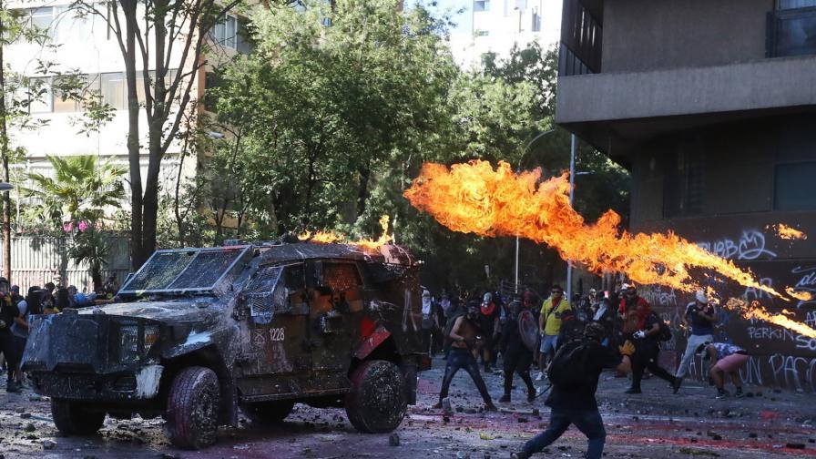 Насилие и сблъсъци по време на протест в Чили