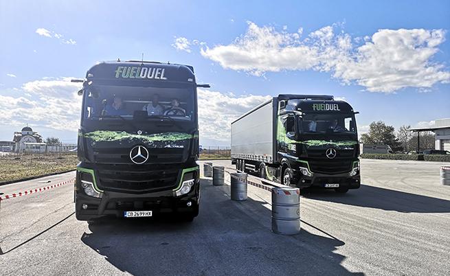 С Active Drive Assist Mercedes-Benz е първият производител на товарни автомобили, който постига ниво 2 на автономно шофиране. Системата работи напълно автономно в рамките на 1 минута, след което стартира поредица от светлинни и звукови сигнали към водача.