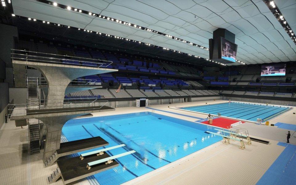 Руснак подобри световния рекорд на 100 метра гръб в малък басейн