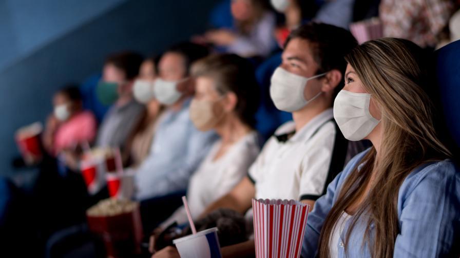 COVID-19: Учените изчислиха колко човека се заразяват на масови мероприятия