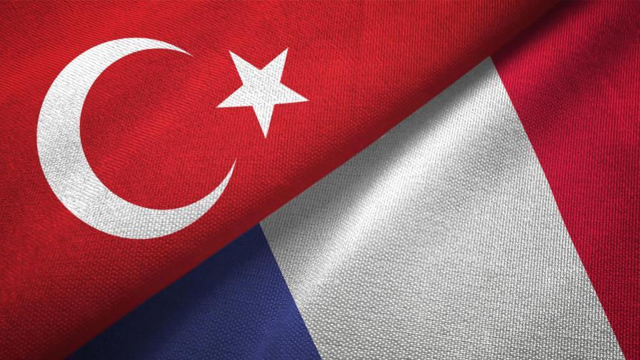 <p>Франция забрани &quot;Сивите вълци&quot;, Турция обеща твърд отговор</p>