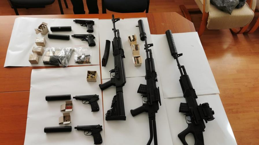 Обвиниха петима за незаконно производство на оръжия