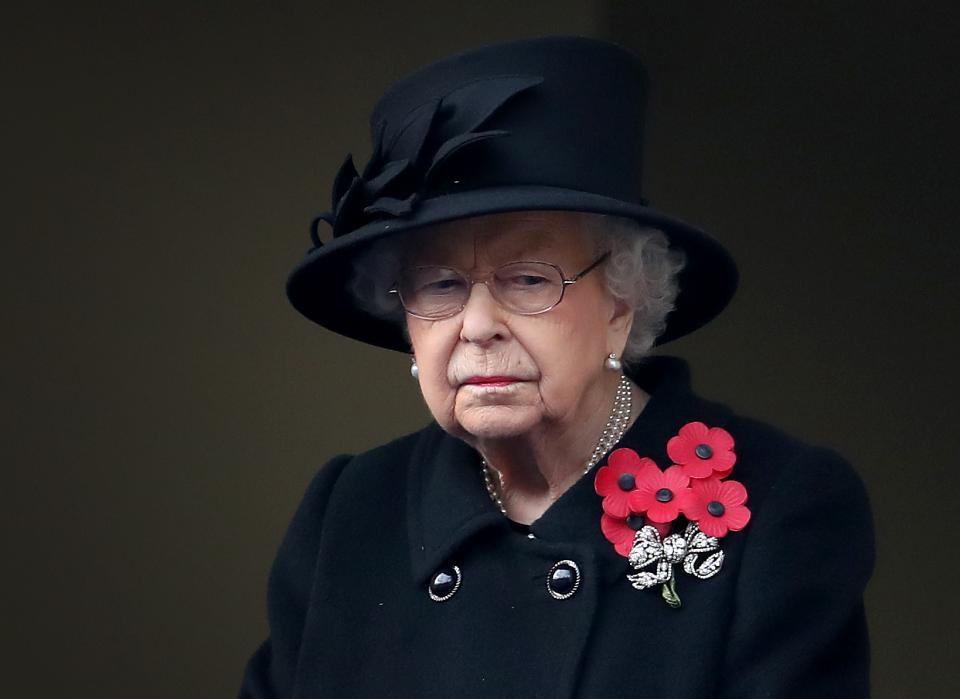 кралица Елизабет Кейт Мидълтън