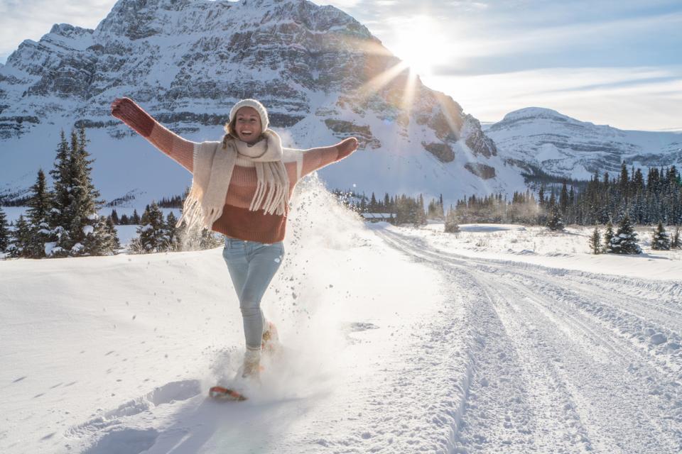жена сняг зима слънце природа