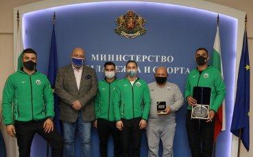Министър Кралев награди джудиста Ивайло Иванов