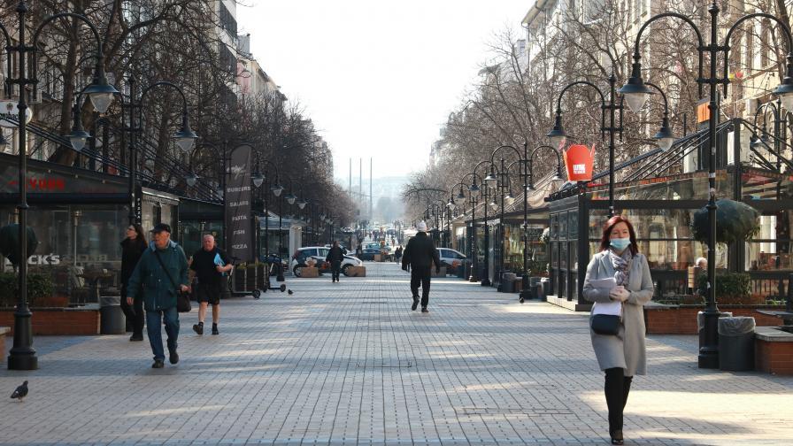 """""""Галъп"""": 56% от българите подкрепят по-строгите мерки срещу COVID-19"""