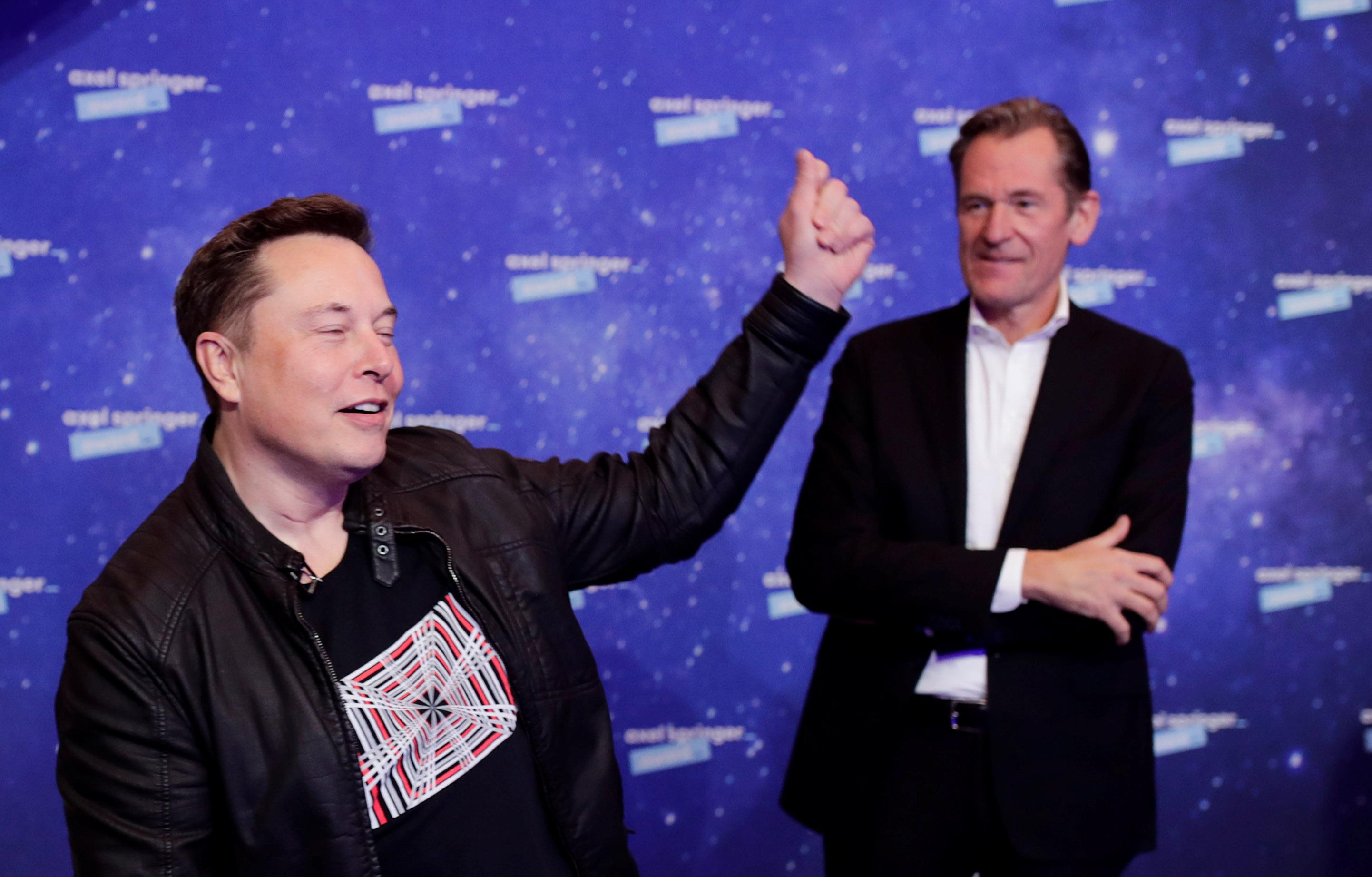 <p>Илон Мъск на церемонията по връчване на наградите Axel Springer Awards</p>