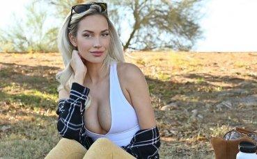 Секси голфърка отново показа прелестите си