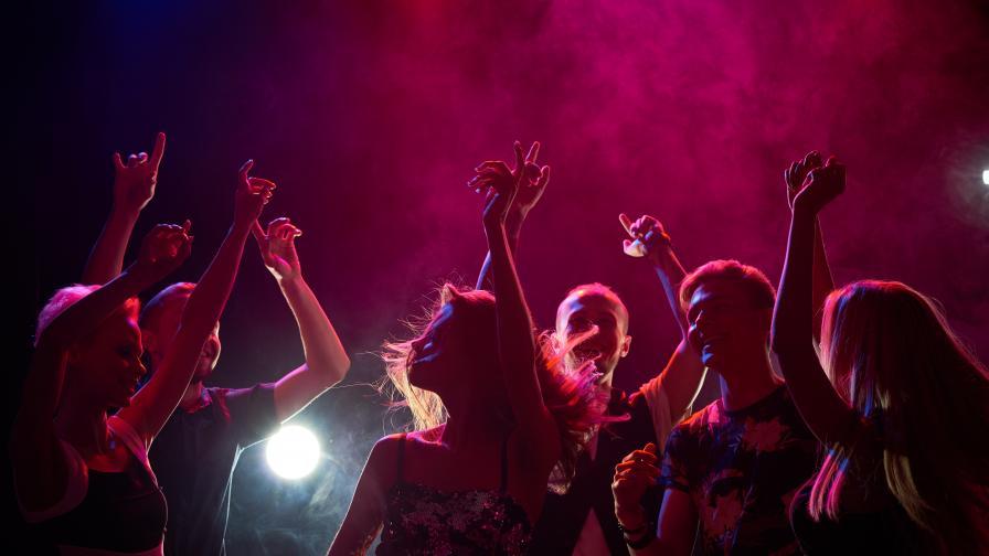 Нелегален купон в Разград, арестуваха управител на клуб