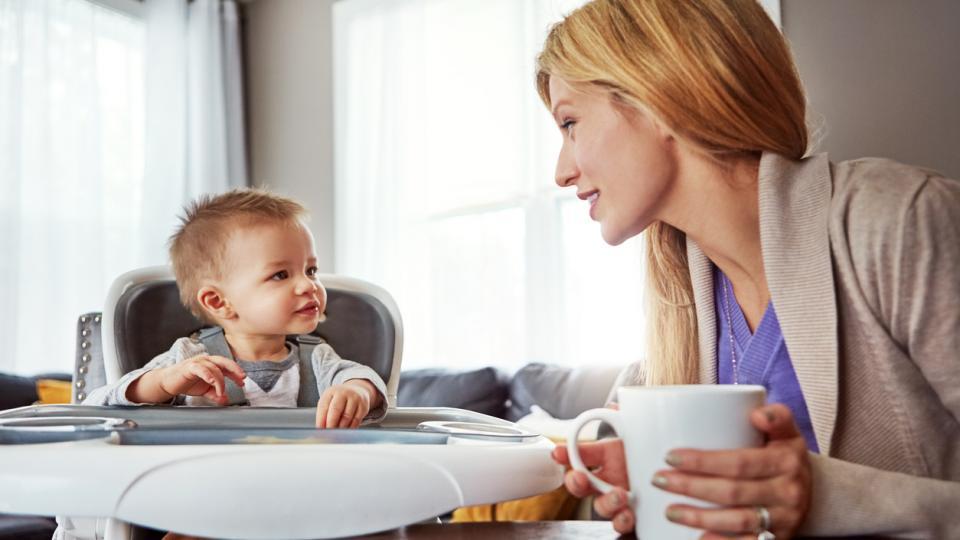 Предимства на бебешкия стол за хранене