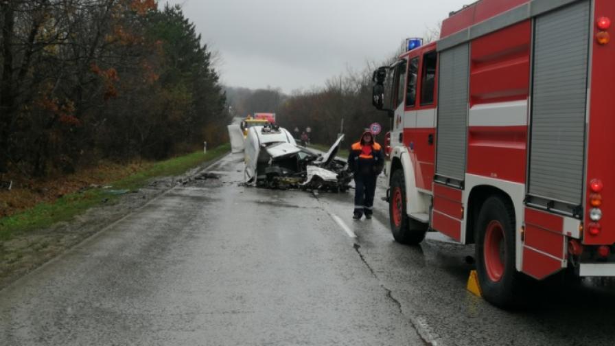 Челен сблъсък край Велико Търново, трима са ранени