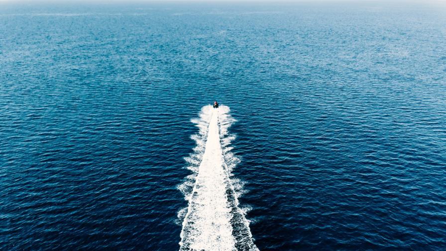 Мъж прекоси Ирландско море с джет, за да види приятелката си