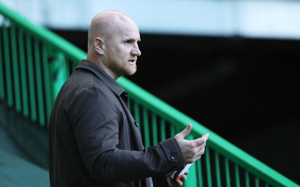Бившият нападател на Арсенал Джон Хартсън отправи критики към крилото