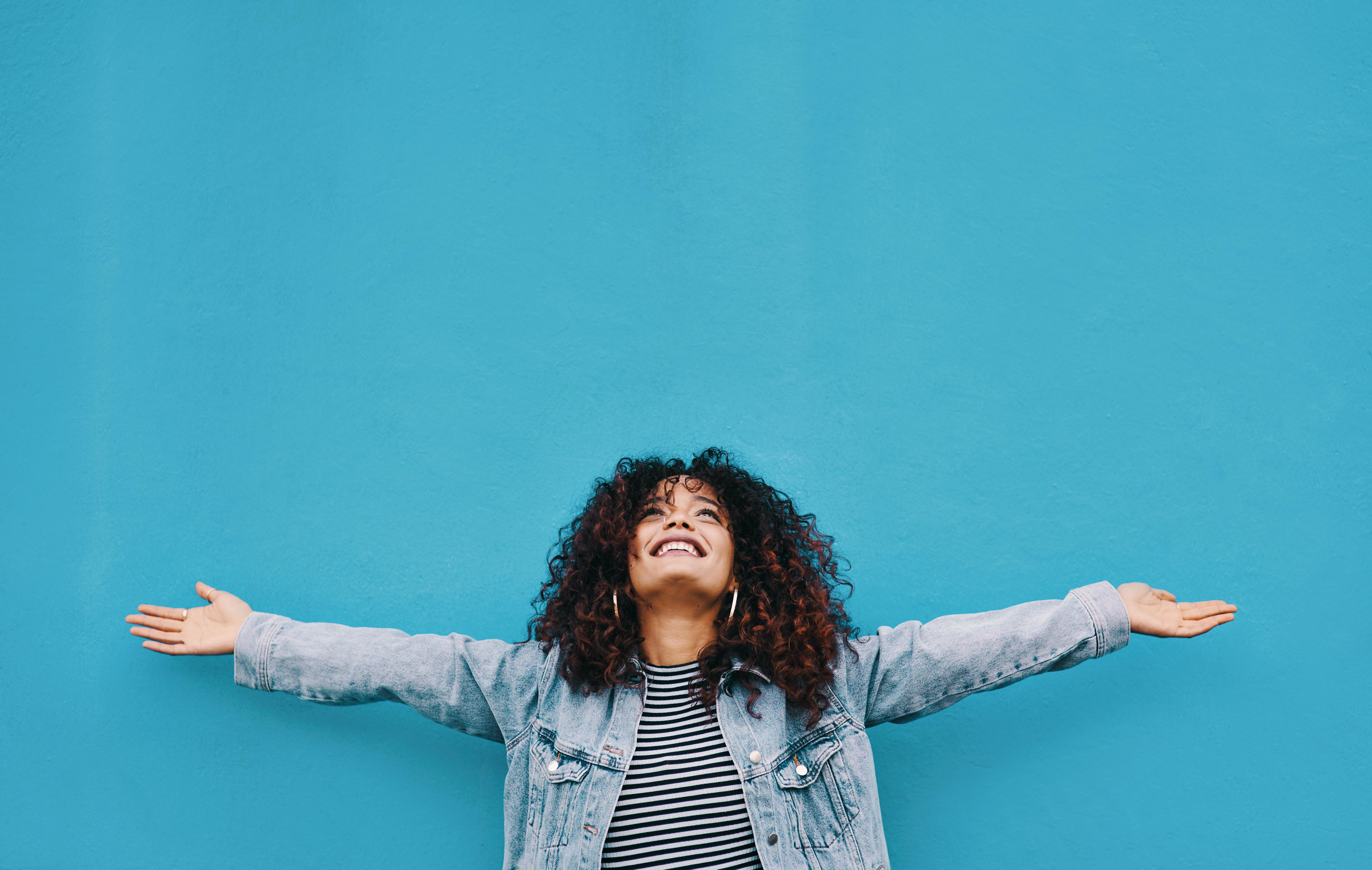 <p><strong>Телец</strong><br /> <strong>Искате:</strong> Да се отдадете изцяло и по всички възможни начини. Копнеете за стабилност и чувствате, че сте на правилното място на живота си, за да се установите най-накрая по много начини - и искате да видите осезаемо доказателство за това, което да ви успокои.</p>  <p><strong>Имате нужда: </strong>Да решите какво искате, а не просто да се примирявате с нещо. 2021 се очертава да бъде година на потвърждение и стабилност за вас. Ангажиментите ще бъдат поети, но трябва да знаете какво искате - а не само какво си мислите, че искате.</p>