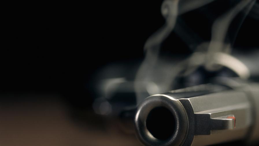 Стрелба в заведение в София