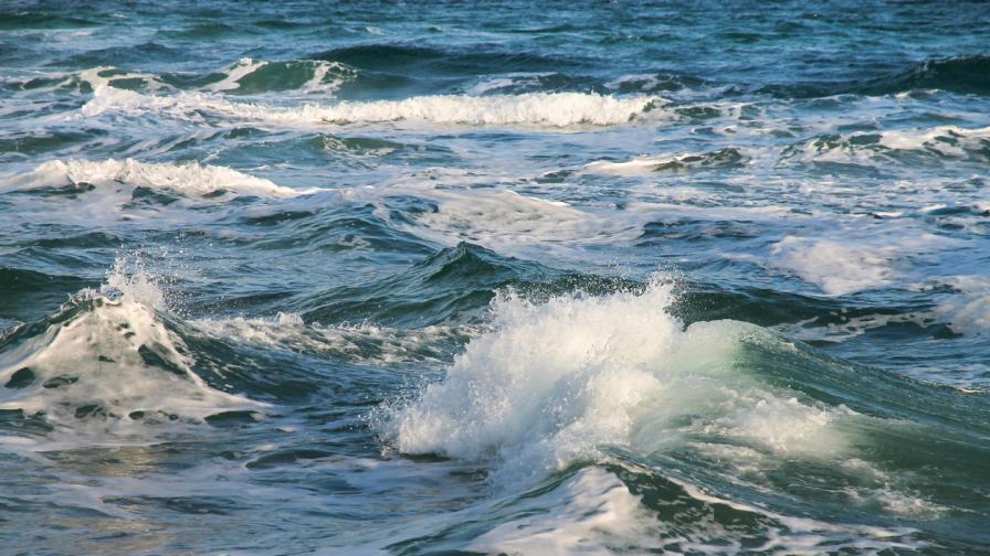 <p>Кораб, пътуващ към България, потъна в Черно море, има загинали</p>
