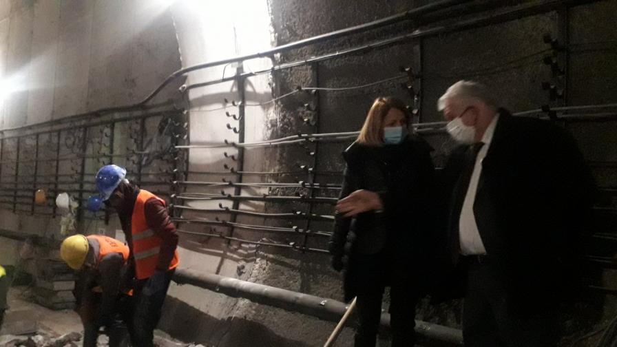"""Демонтират релси на метрото преди """"Хаджи Димитър"""""""
